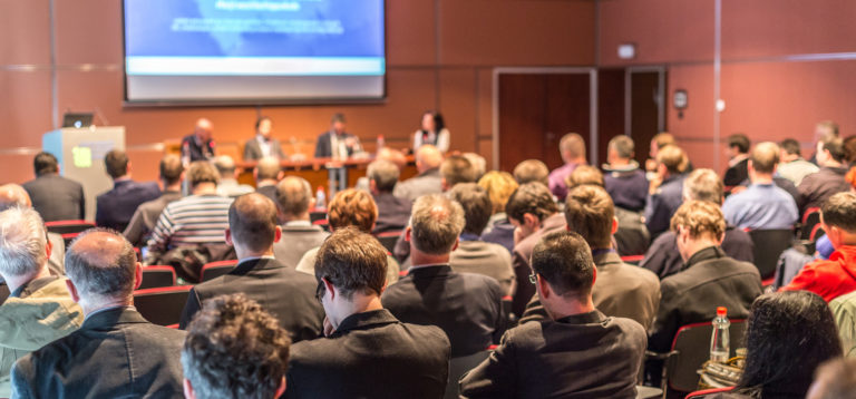 conférence réunion plénière